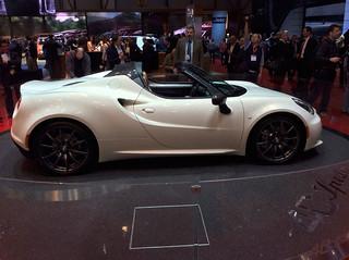 Alfa-Romeo-4C-spider-01