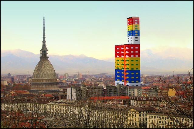 """Lucia Forte sfida Renzo Piano dicendo: """"Lego"""" il mio nome a Torino."""