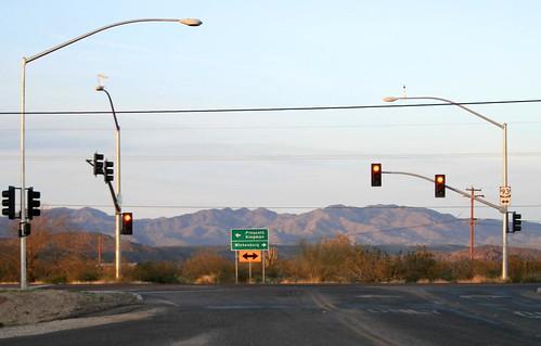 arizona signs mountains landscapes desert streetlights stoplights trafficsignals wickenburgaz ushighway93