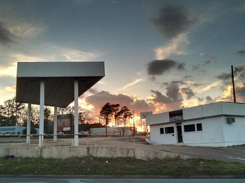 sunset sky closed texas huntsville gasstation hdr servicestation petrolstation tonemapped