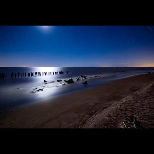 longexposure nightphotography ontario beach night lakeerie greatlakes nightshots startrails lightroom sigma1020mm southwestontario bobwest k10d