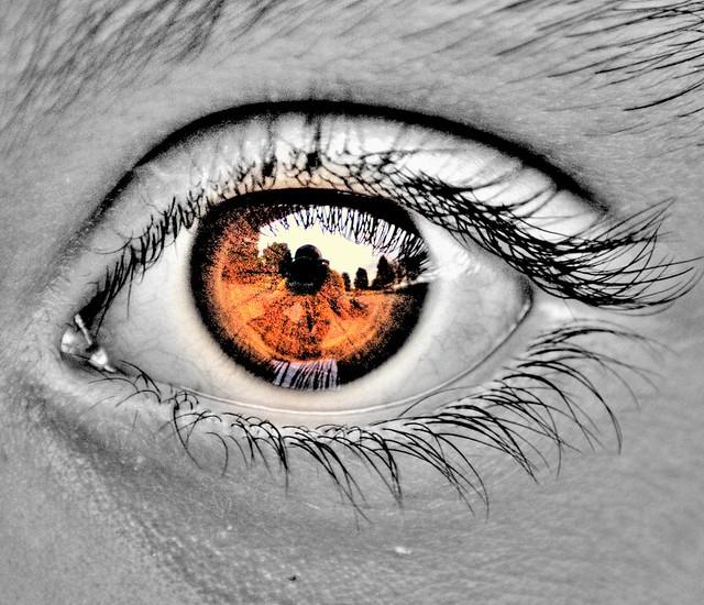 naive eye