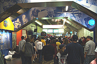 Crowded Metrodome Concourse | by Doug Wallick