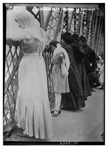 Jew[ish] New Year - praying on Brooklyn Bridge [i.e. Williamsburg Bridge]  (LOC) | by The Library of Congress