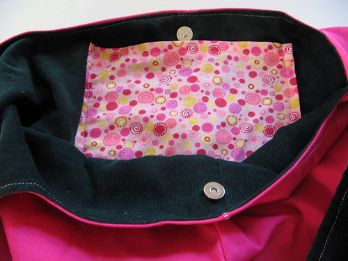 Shoulder bag lining and pocket | by knottygnome