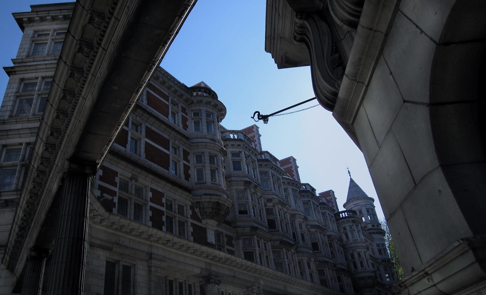 London 099