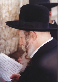 THE NEW VIZNIZER REBBE -PHOTO BY ELIEL JOSEPH SCHAFLER | by eliel.schafler