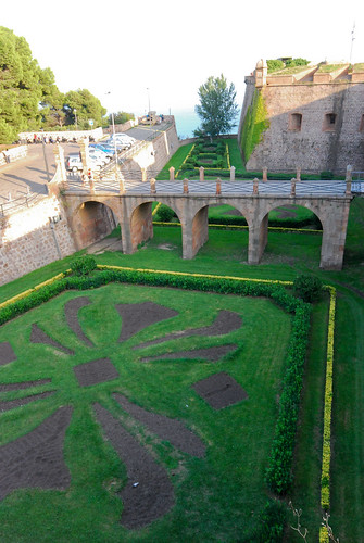 garden moat by the sea | by maveric2003