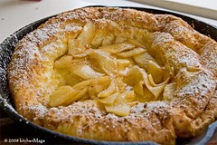 apple puffcake   by kitchenmage