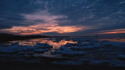 beach winter ice sunrise lake michigan waukegan