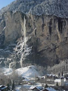 Staubbachfall Lauterbrunnen ( Fallhöhe 297 m - Zweithöchster Schweizer Wasserfall - waterfall ) des Staubbach ( Bergbach Bach Creek ) in den Alpen - Alps bei Lauterbrunnen im Lauterbrunnental im Berner Oberland im Kanton Bern der Schweiz
