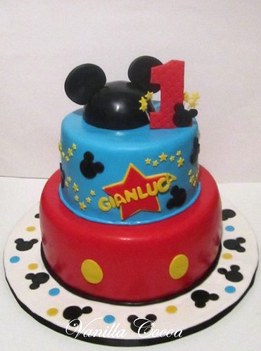 Peachy Mickey Mouse 1St Birthday Cake A Photo On Flickriver Personalised Birthday Cards Bromeletsinfo