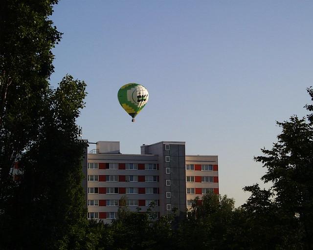Bestaunen Sie einen beeindruckenden Panoramablick auf die bewundernswertesten Plätze des Loiretals und der Perche zu der Zeit Ihres Heissluftballon Fluges. Alles ist ausgeruht, Dunkel und Helligkeit, Blume und Buch 001
