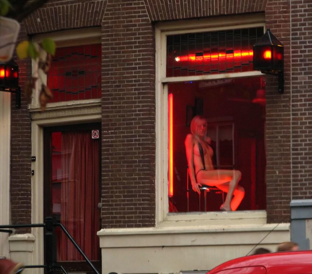 Юпорн улицы красных фонарей, голые красивые фигуры