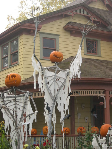 LoneSomeVille Halloween 2007_ (8) | by LoneSomeVille