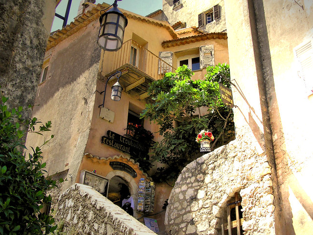 Beauty and charm in Èze