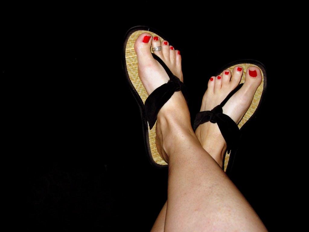 294ff49ec ... left foot