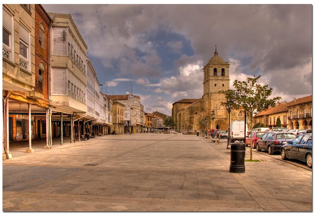 Plaza Mayor de Aguilar de Campoo - HDR   Plaza Mayor de Agui…   Flickr