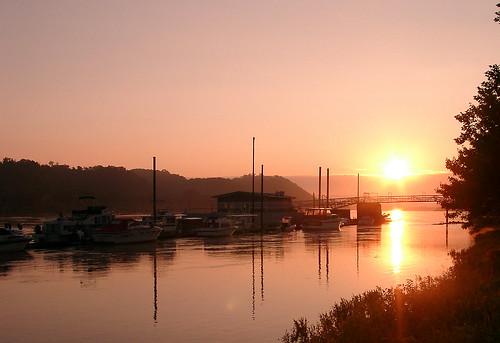 nature marina landscape dawn boat huntington wv westvirginia harrisriverfrontpark cabellcounty