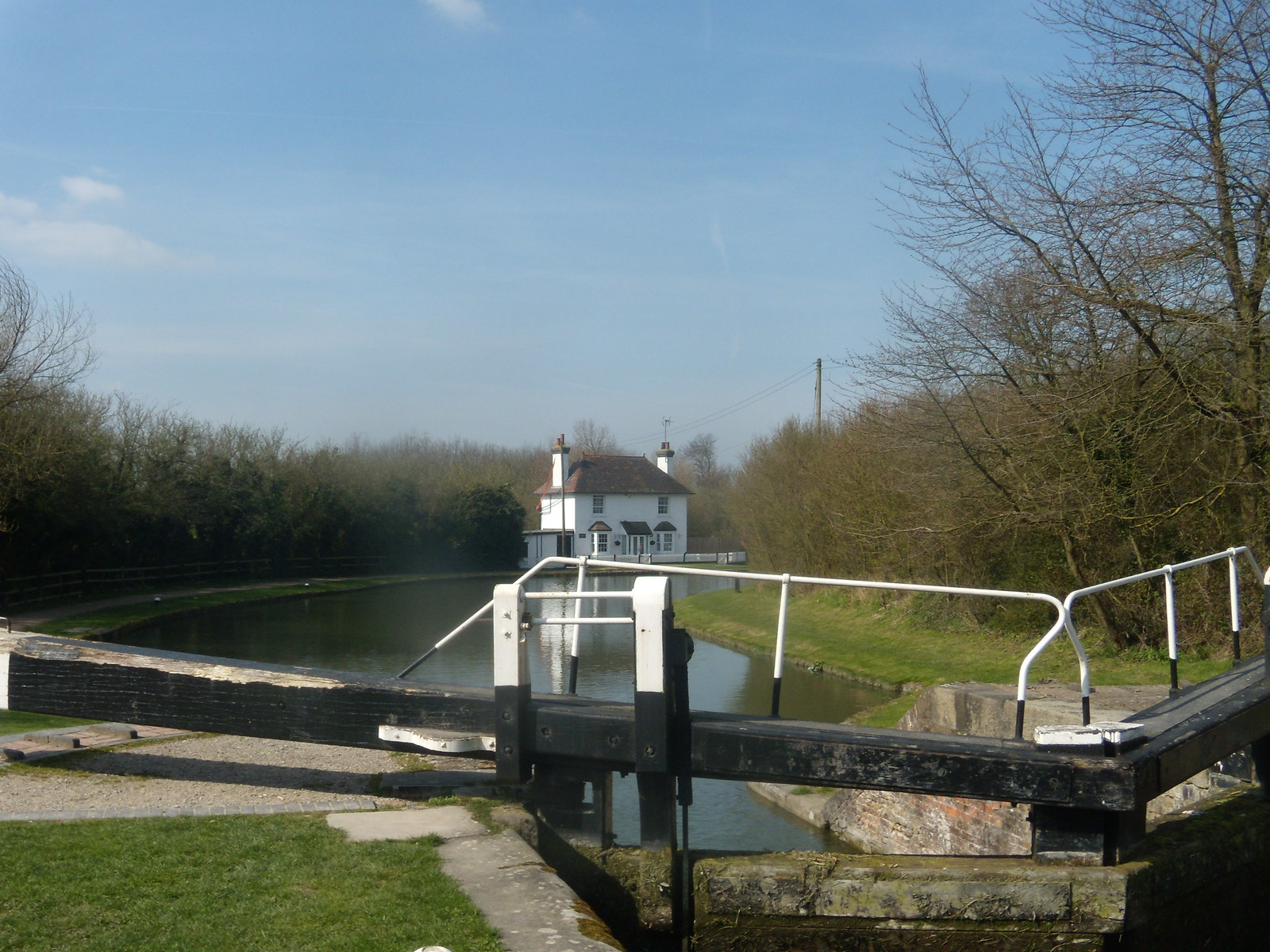 Lock and cottage Tring to Wendover