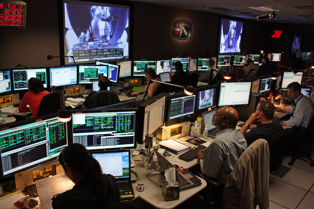 Servicing Hubble - Inside the Space Telescope Control Room…   Flickr