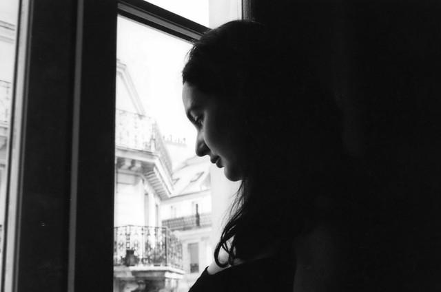 Marta en la ventana, Paris