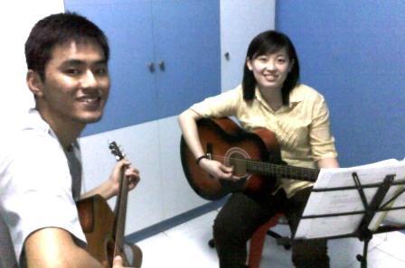 Private guitar lessons Singapore Chui Lee