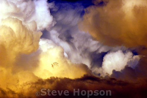 goldenclouds clouds geotagged landscape cloudscape i500 skyscape sunlight sunbeam radiance gold cloud austintexas sky austin i100 zilkerpark d70 nikon texas top2020 cloudscapes goldenlight explore nikond70 summer weather stevehopson