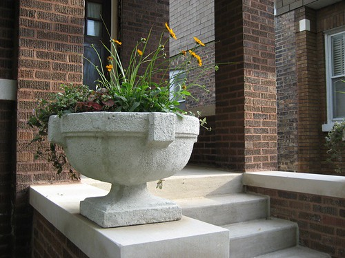 concrete urns | by hellohouse