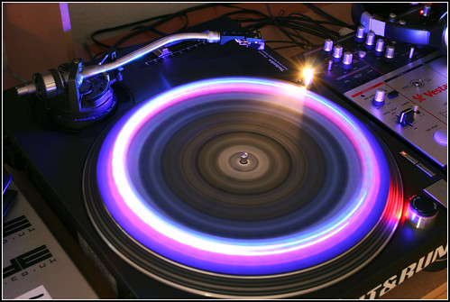 Turntable slow exposure | by Luke_23
