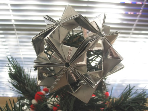 PAPYRUS Origami Christmas Tree Topper - Gold Star, Classic, XMas ... | 375x500