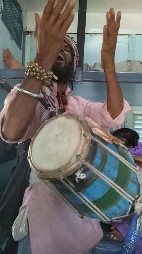 600urusofzindashahmadar makanpur2017 mobilephoneimages oppofs1 sufism khalifa madarriyasilsila mytrainjourney indianrailways pushpakexpress