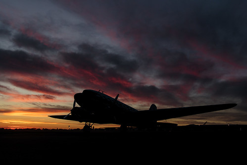 dc3 nc43xx n43xx douglas dc3as1c3g sunset cableairport upland california socal aircraft 2017 silhouette