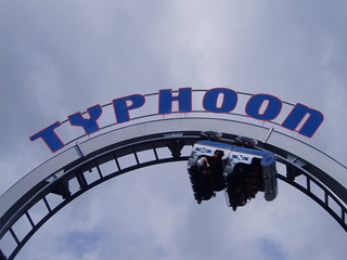 Typhoon (Bobbejaanland) | by gnislew