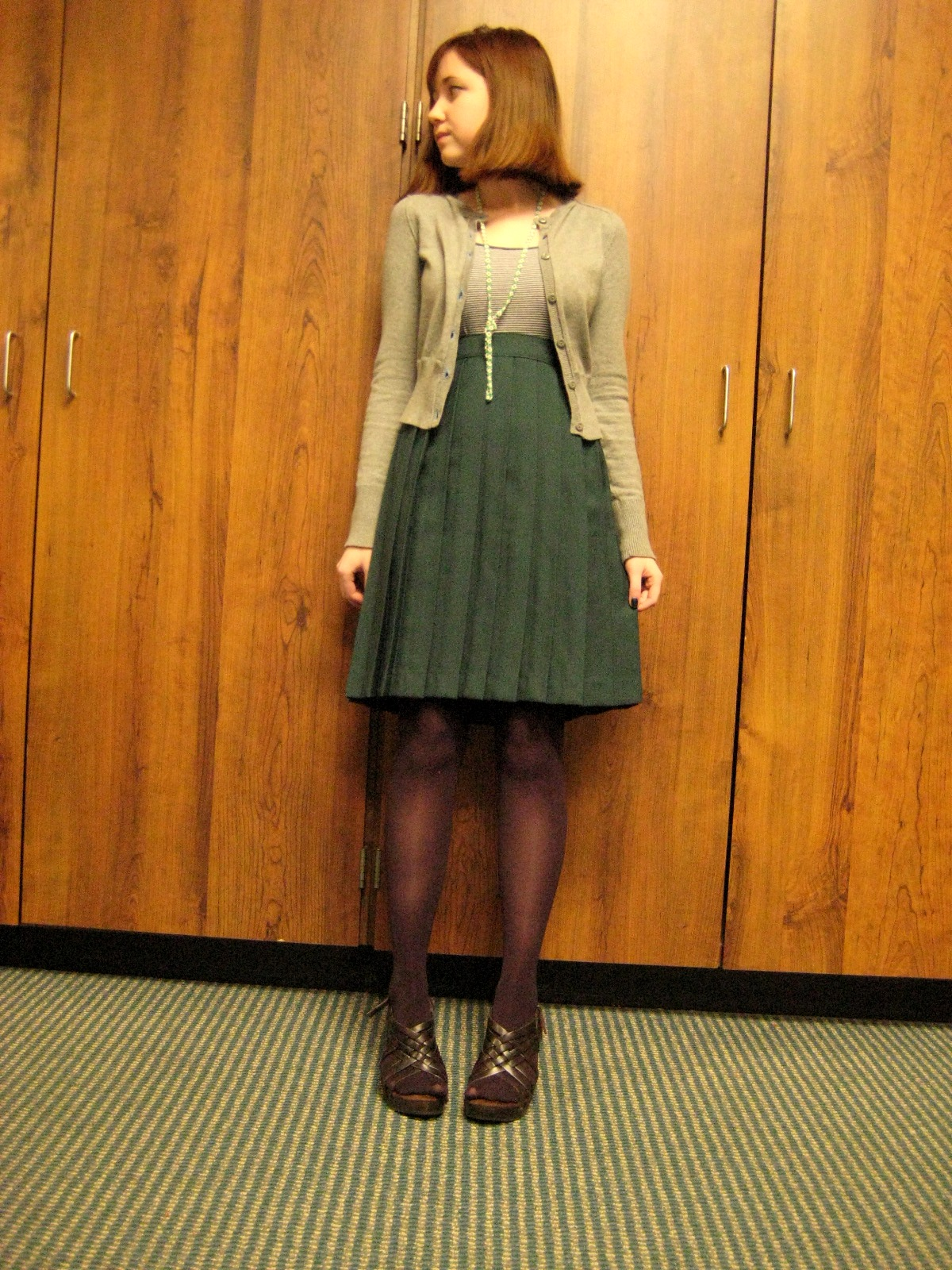 ハイ・ウエスト・スカートの写真例。