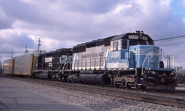 NS Maersk Sealand #3329 at Bellevue Ohio | The Maersk Sealan