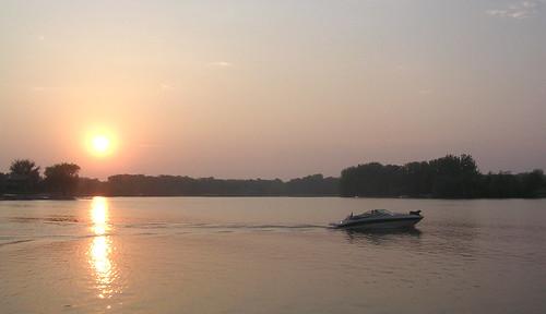 sunset dog lake minnesota boat bow mn albertlea fountainlake freeborncounty