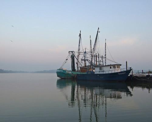 morning water fog sunrise fishing texas tranquility shrimpboats trinitybay cotcmostfavorited top20texas gseloff