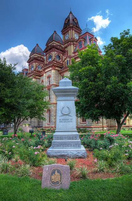 Caldwell County Courthouse and Confederate Monument HDR