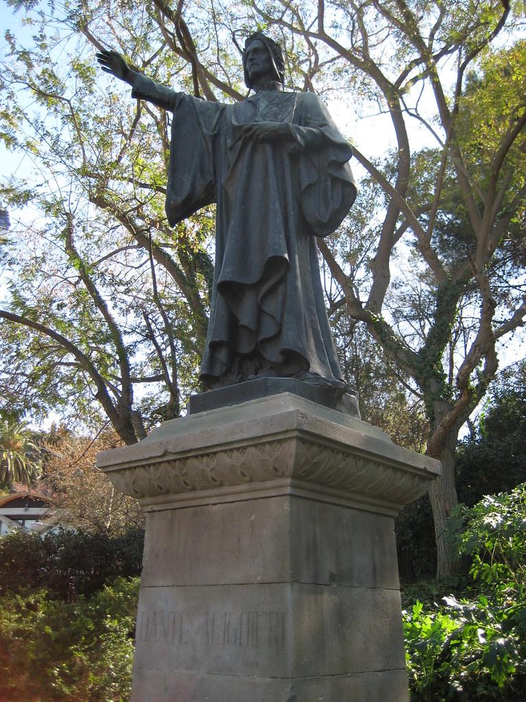 Estatua Dante Aligieri