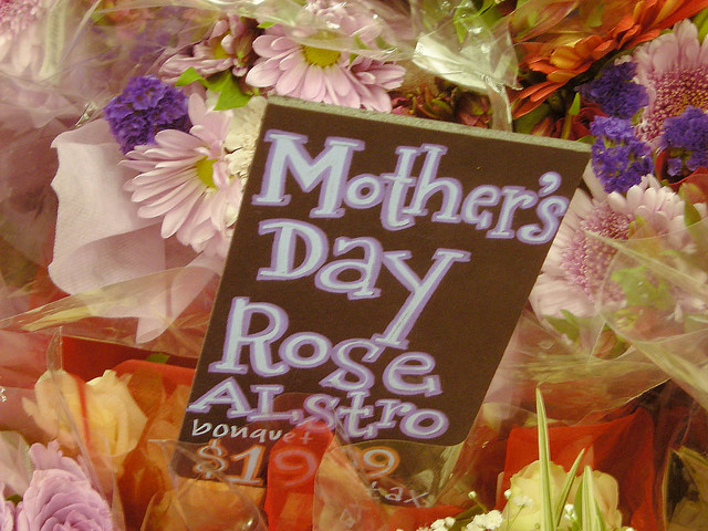 Mothers Day At Trader Joes In Madison >> Mother S Day At Trader Joe S The Entire Westside Of Madiso Flickr
