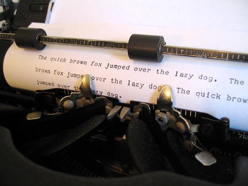 """Royal KMM """"Magic Margin"""" Typewriter   by Twylo"""