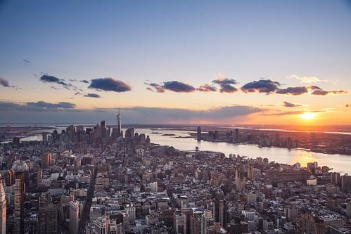 sunset manhattan cityscape newyork nyc urbanlandscape empirestatebuilding weather lowermanhattan wtc worldtradecentre us
