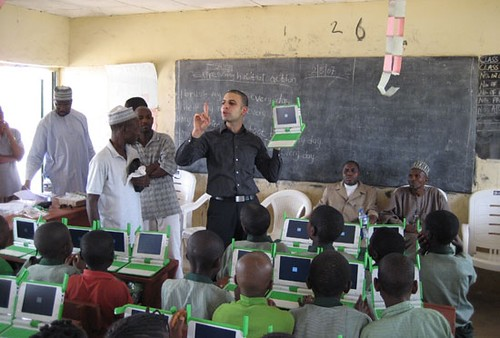 Nigerian students power up their OLPC laptops
