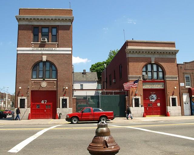E064 FDNY Firehouses Engine 64 & Ladder 47, Castle Hill, Bronx, New York City