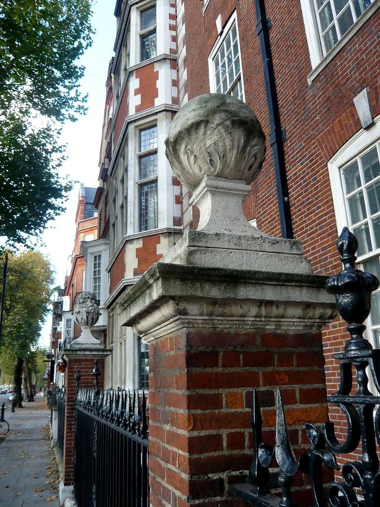 Chelsea Embankment P1020083 Constant Flickr