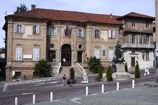 Bra - 07 - 19.10.02 | Bra Alba is a very intesesting town ...