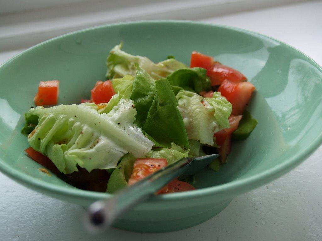 Scodella con insalata