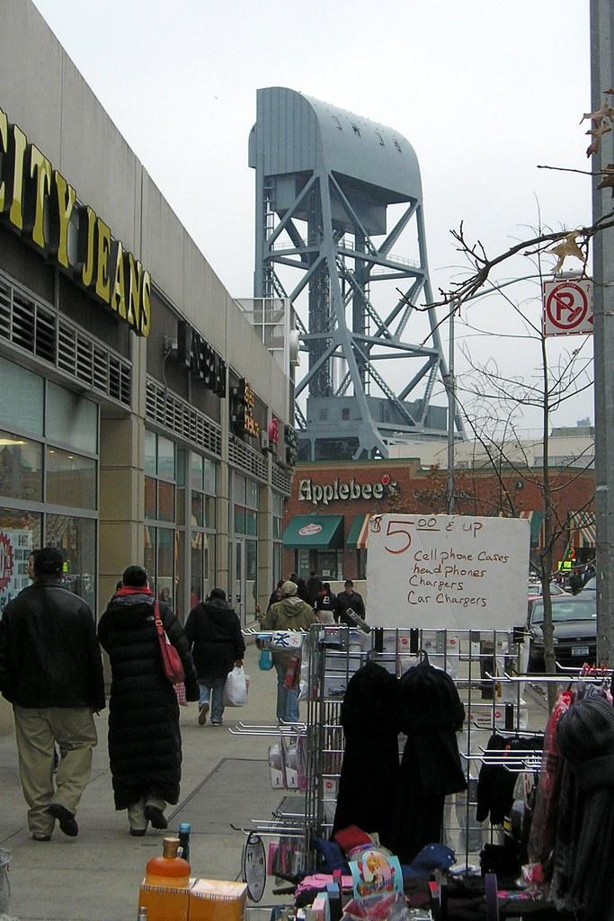 Marble Hill NYC (Street Scene & Broadway Bridge)   Location