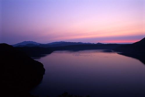 lake water beautiful japan sunrise geotagged dawn hokkaido purple surface daybreak mashu geolat435830858 geolon1445038589